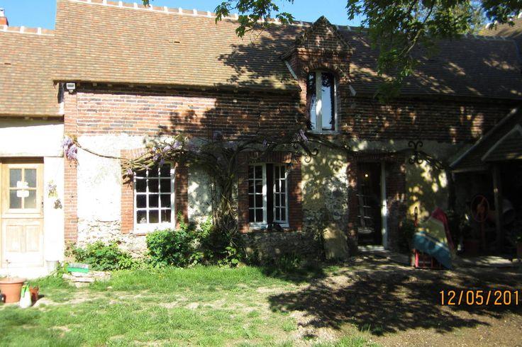maison independante mitoyenne £25pn Saint-Laurent-la-Gâtine