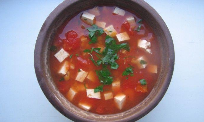 Lehká polévka z červené čočky
