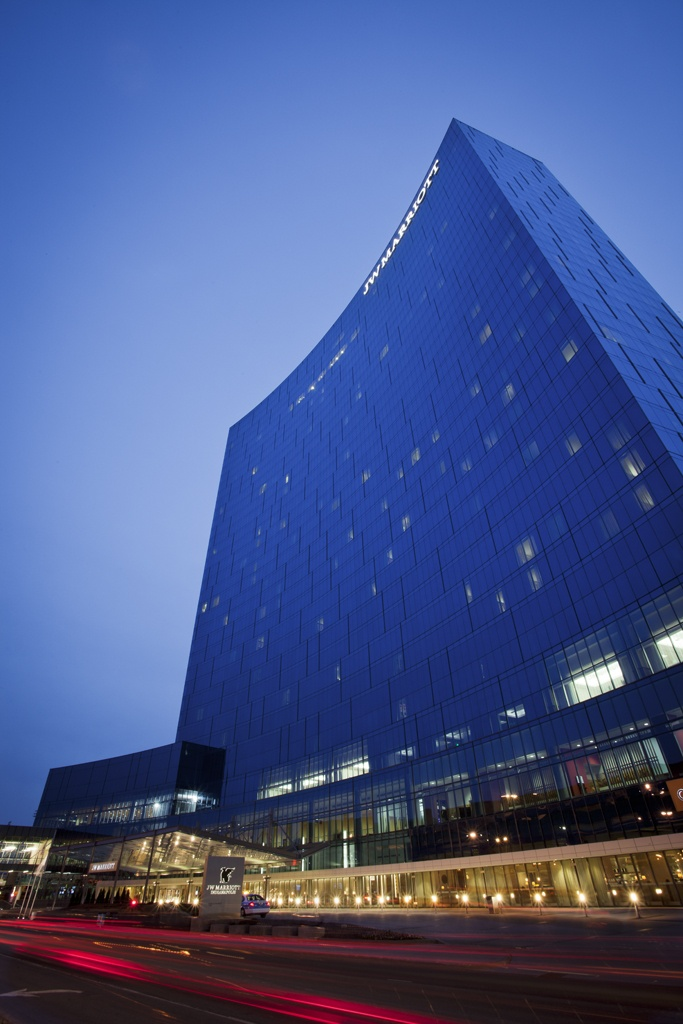 A New Staple In The Indy Skyline World S Largest Jw Marriott Best Hotelshotels Inindiana