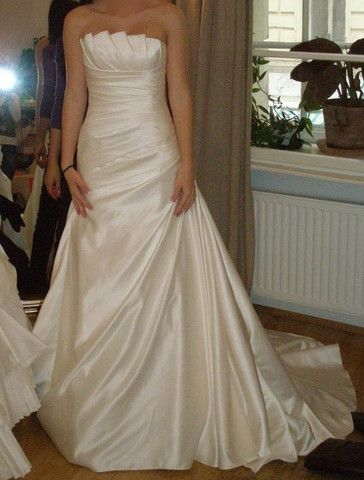 1000 ideas about church wedding photography on pinterest for Nearly new wedding dresses