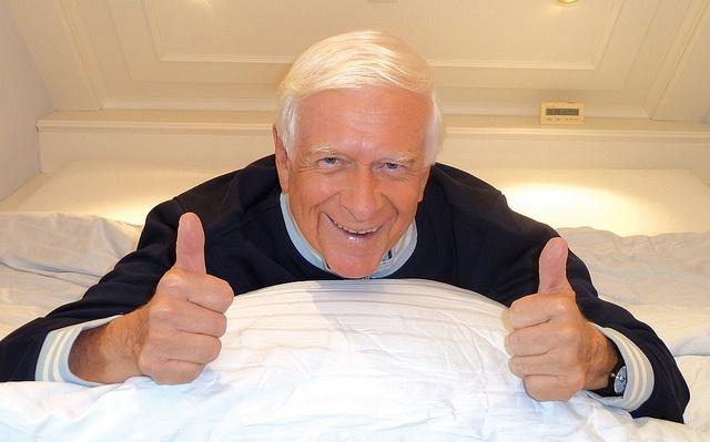 Prof. Hademar Bankhofer mit Schlaftipps
