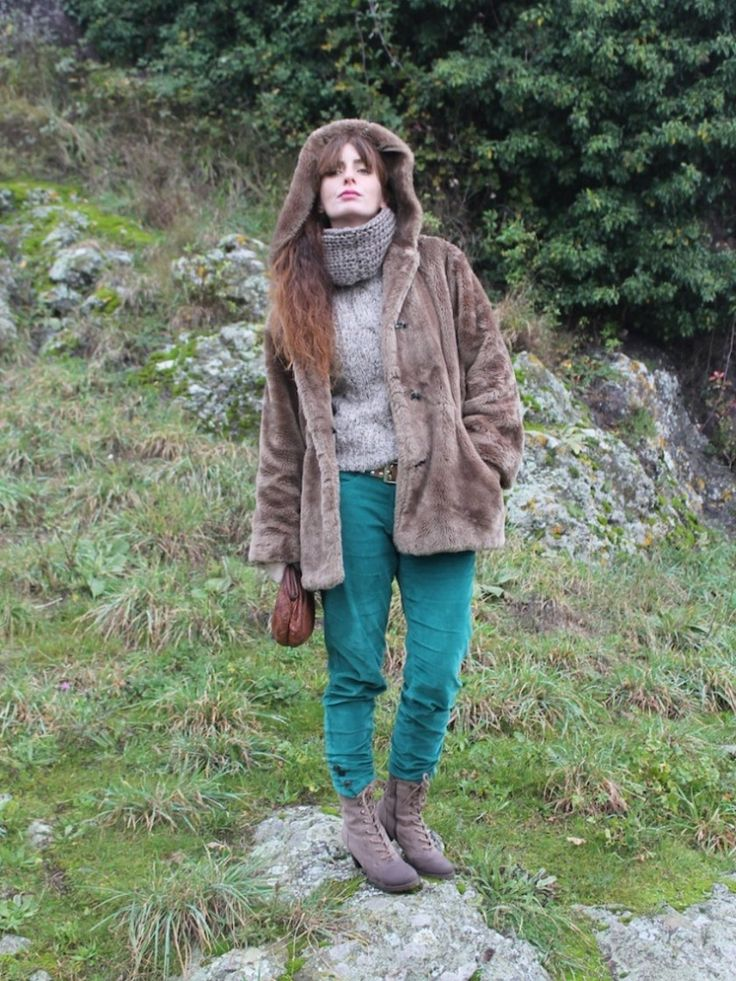 on Stylight : #outfit #coat #fauxfur #green #pants #velvet #taupe #shoes #fashionblogger @stylight
