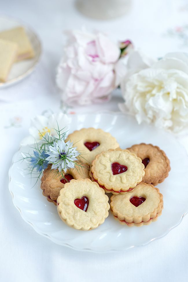 Think we could handle this?? @anniebean98 Classic British biscuits – Jammy Dodgers, Custard Creams and Party Rings