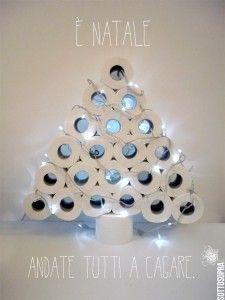 E' Natale. Andate tutti a cagare.  #sottosopra  #sottosopracomunicazione #christmas tree