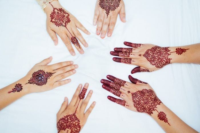 Gambar Henna Mudah Tapi Bagus Cara Menghias Henna Dengan 20 Motif Gambar Henna Simple Dan Paling 50 Gambar Henna Tangan Cantik Si Di 2020 Henna Desain Henna Gambar