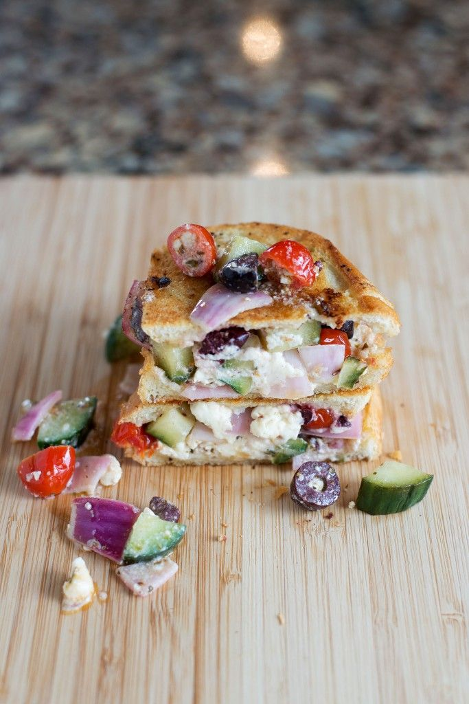 2 slice of french bread     ¼ cup cucumber     4 olives     5 cherry tomatoes     ⅓ cup red onion     ½ cup feta cheese     ½ heaping tsp oregano     1 tbsp olive oil     ½ tbsp lemon juice