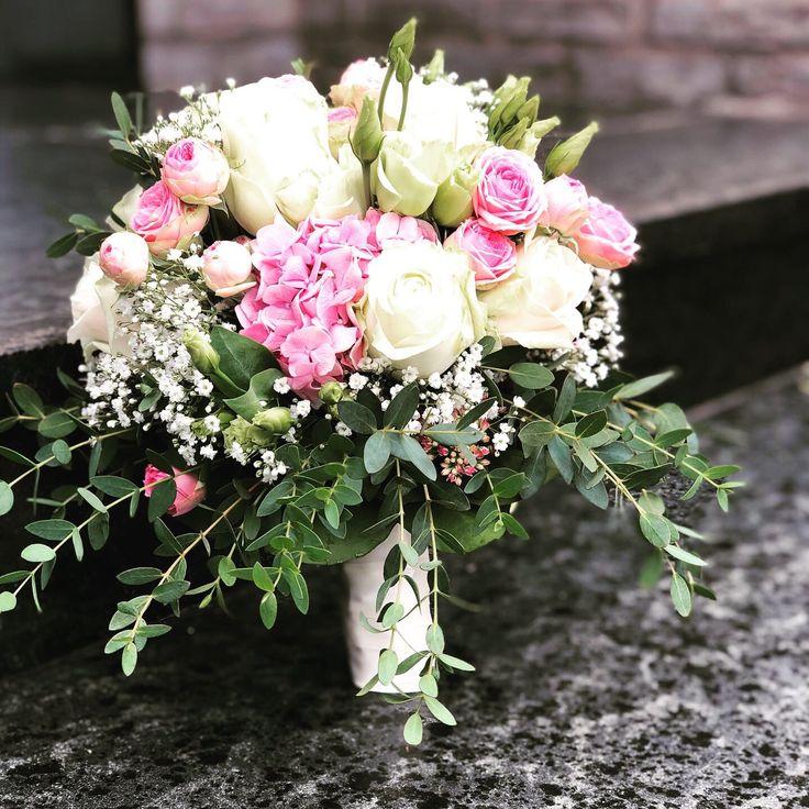 Brautstrauß- Eukalyptus,Hortensien,Rose, Schneebeeren,Eustoma,…… – Brautstraüße