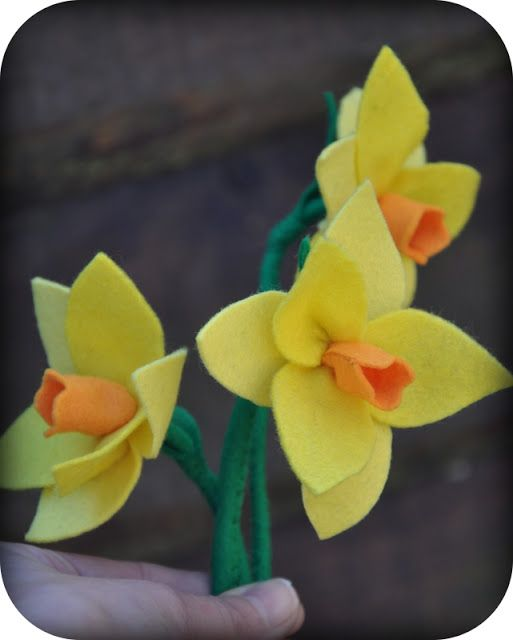 Grietjekarwietje.blogspot.com: Tutorial: Narcis van vilt
