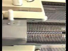 Машинное вязание, узор со сдвигом. можно вязать так воротнички....