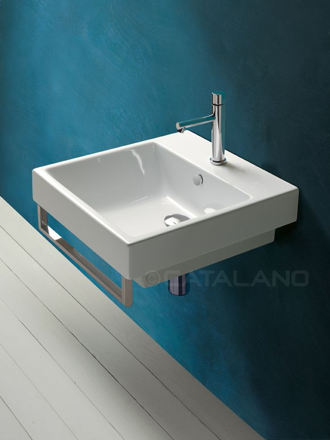 Zero 50_Washbasin for wall-hung, semi inset, sit on or pedestal mounted installation. 0, 1 or 3 tapholes. Front chrome brass towelrail is available.