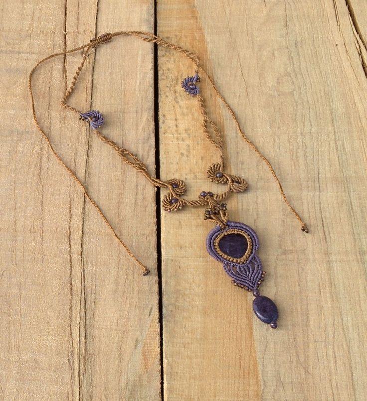 Coolier Micro-macramé, pierres et perles améthiste et verre, fil C-Lon régulier