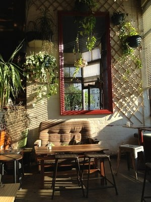 Black Cat Cafe: Brunswick St, Fitzroy.