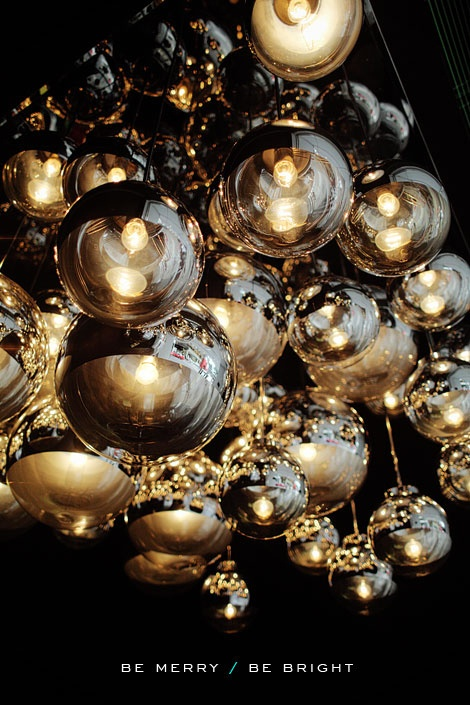 .Gold Lights, Gold Bubbles, Blackgold, Lights Cluster, Christmas, Cluster Lights, Black Gold, Colors Black, Art Simple