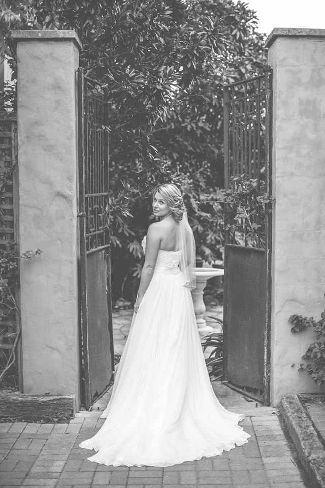 Bree looked stunning on her wedding day. Beautiful image shot by www.coraleeandalex.com.