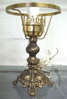 $40 Vintage Ornate BRASS LAMP STAND 16x23cm Text 0411691171 or email info@bitspencer.com