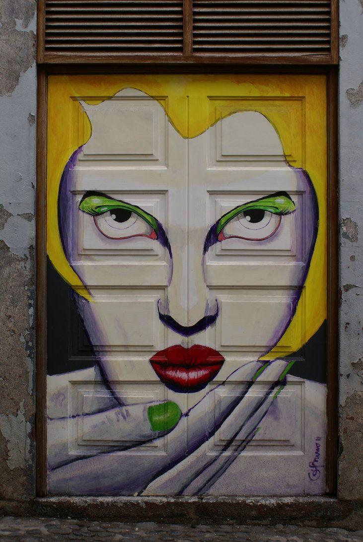 .: Doors Art Projects, Doors Funchal, A Kiss, Paintings Doors, Portugal Timber, Street Art, Doors Close, Art Deco, Streetart