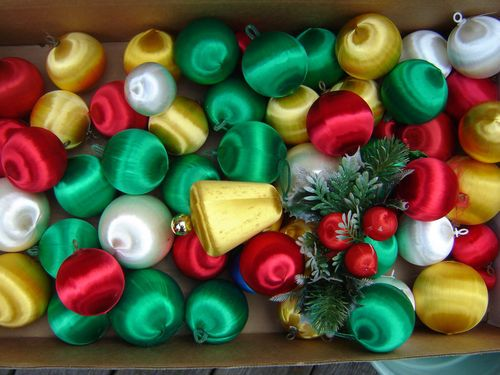 satin ornaments..no 70's tree was complete without 'em