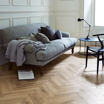 Cornish Oak: Beautifully designed LVT flooring from the Amtico Signature Collection - Amtico for your home