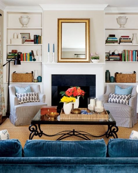 lovely: Blue Velvet, Rooms Layout, Coffee Tables, Living Rooms, Blue Couch, Blue Sofas, Families Rooms, Style At Home, Side Chairs