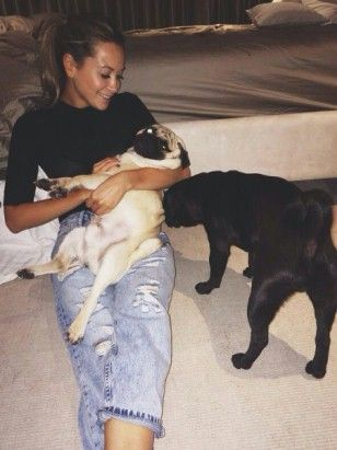 mandy capristo #fashion #mesut Özil wags bulldog, #mandy capristo german wags, #puppy - #Özil