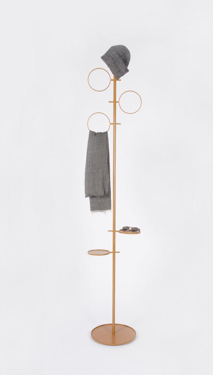 Glaubi minimal coat hanger by Diiis