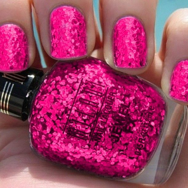 """Perfect for one last """"summer fling"""" before the browns come back. Want this nail polish Flamingo nails"""