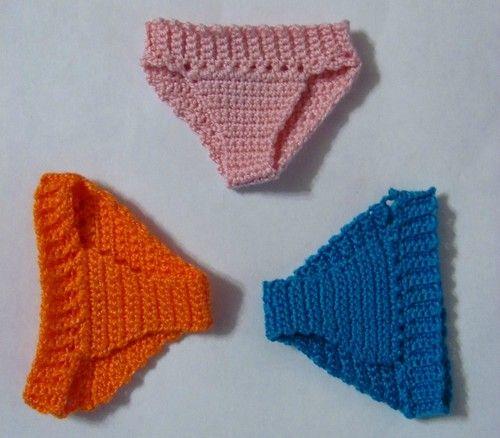 Добрый день. Хочу вам предложить небольшой мастер-класс по вязанию трусиков для куклы. Я очень люблю вязать и терпеть не могу