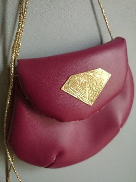 sac en simili cuir et custome Diamant bobines and cie