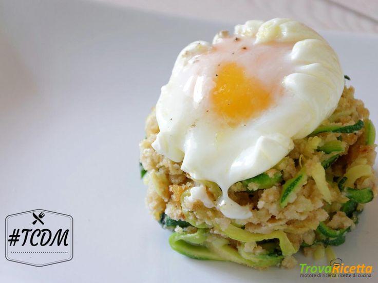 Uovo pochè con spaghetti di zucchine croccanti  #ricette #food #recipes