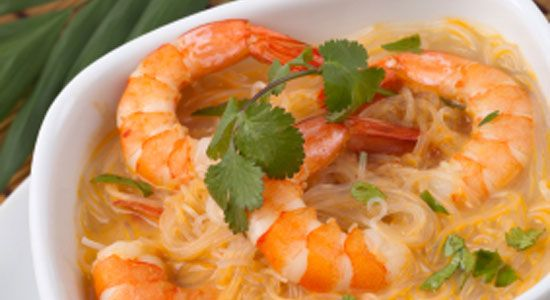 Healthy Dinner Recipes: Prawn Laksa Soup. #HealthyRecipes #DietRecipes #WeightlossRecipes weightloss.com.au