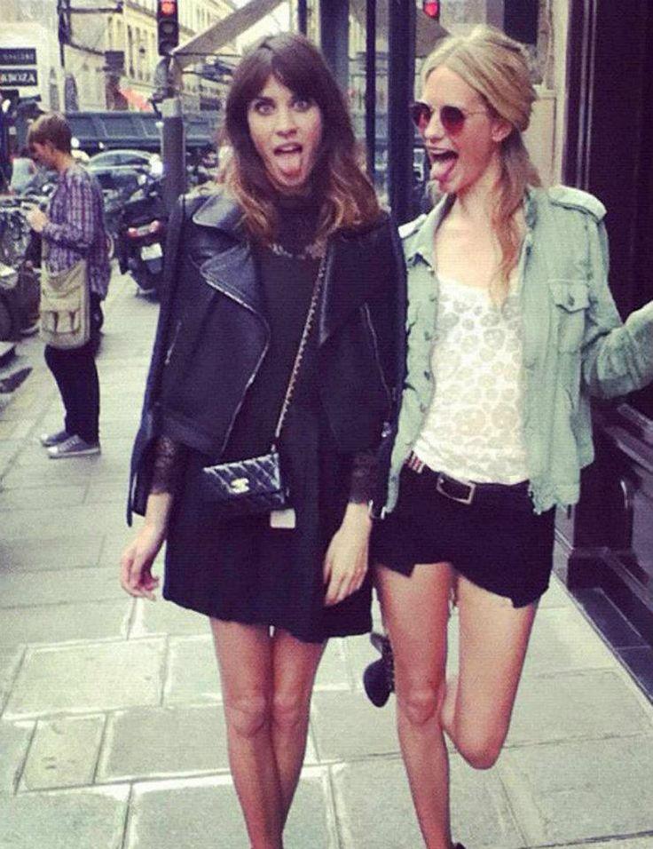 http://pinterest.com/urbanclair Las Fieles de Chanel!