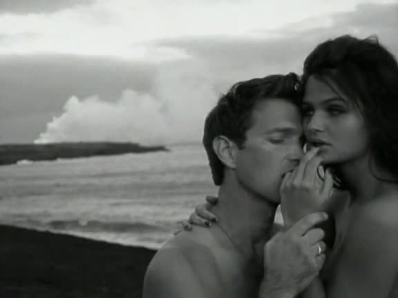 'Wicked Game' - Chris Isaak (Helena Christensen)