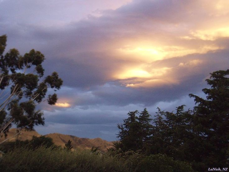 Sunset, Kurow, New Zealand (by Larisa Nicholls)