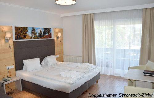 NEU: Doppelzimmer Strohsack-Zirbe :) Wir sind stolz auf unser neues Zimmer ...   www.almrausch.co.at