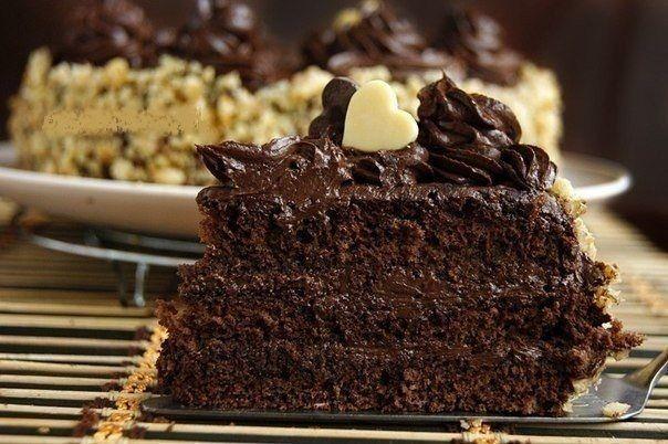 Tort de ciocolată — un desert deosebit pentru ocazii deosebite! - Retete-Usoare.eu