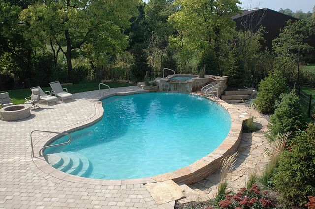 Gunite Kidney Shape Pool with Spa