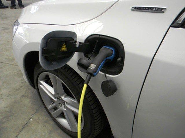 Elektromobilität: Helfen Elektroautos wirklich dem Klima?