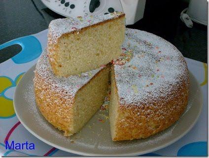 Ingredientes:     1 pote de yogur natural   3 huevos   ralladura de la cáscara de un limón   3 medidas (del pote de yogur) de harina   16 gr...