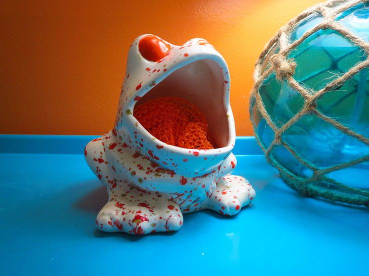 17 best images about frogs big mouth on pinterest ceramics big mouths and soap holder - Frog sponge holder kitchen sink ...