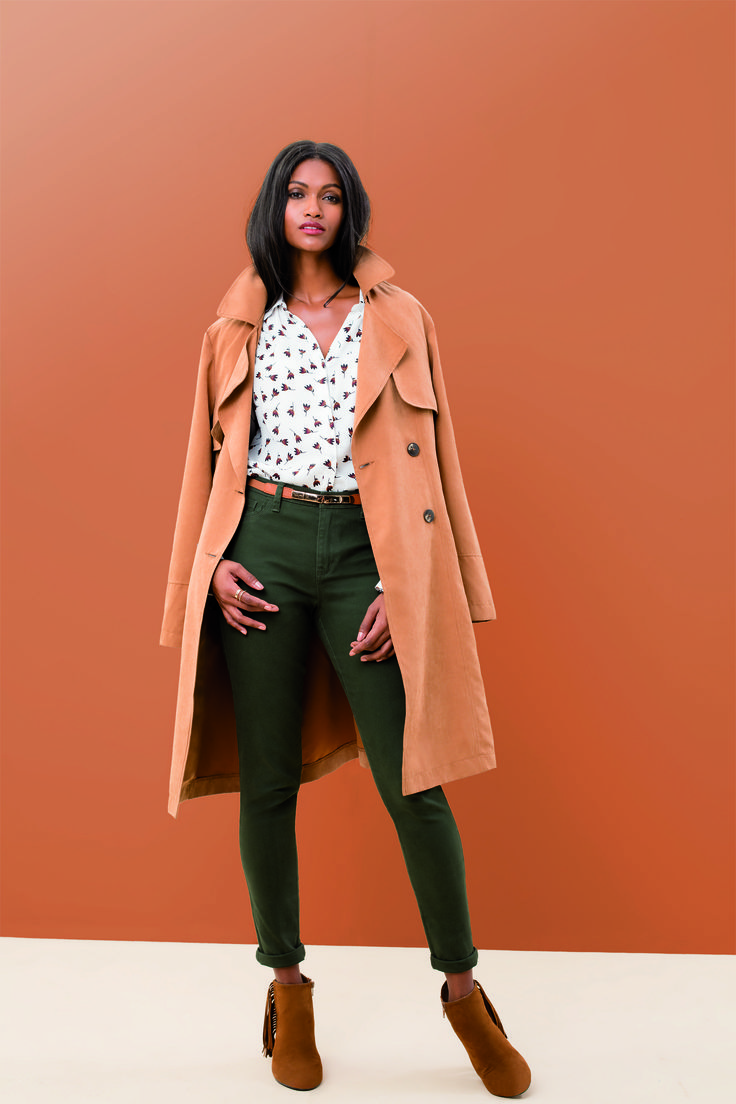 The brushed TWILL PANT: Soft, lightweight and a great fit. The Twill Pant is the perfect go- between smart and casual. Looks great with a tuck or without. Available in slim fit and flare leg. Trench Coat From R649 (available end May 2016) | Printed Blouse R299 Slim Leg Brush Twill Pants From R379 | Boots R499