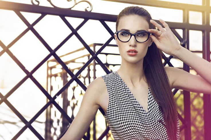 Caroline Abram, Carolne Filao, eyeglasses, glasses