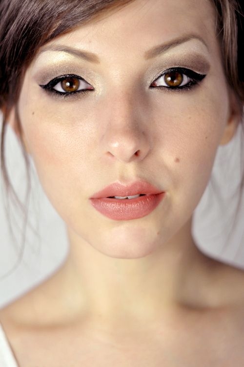 eye makeup: Eyeshadow Tutorials, Shady Eye, Article, Eye Tutorial, Smokey Eye, Contoured Eyeshadow, Eye Makeup Tutorials