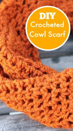 DIY Crochet Cowl Scarf - This easy crochet cowl scarf pattern makes a gorgeous gift!