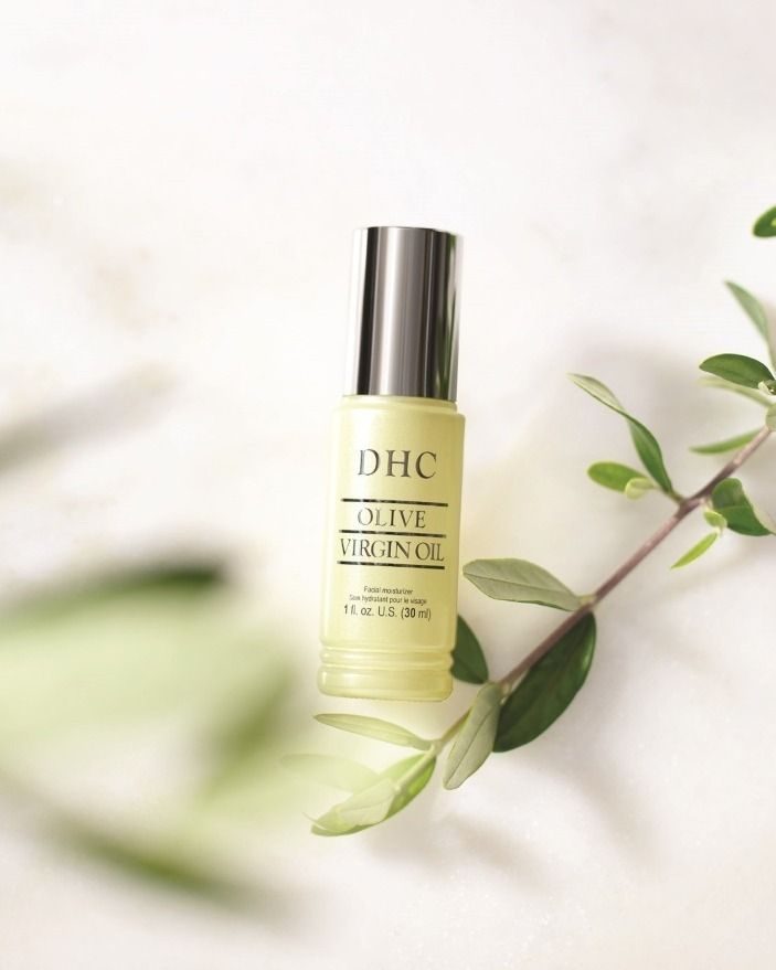 Keeping our morning skincare routine simple with Olive Virgin Oil. One ingredient is all it takes for pure moisture. The ingredient that started it all!