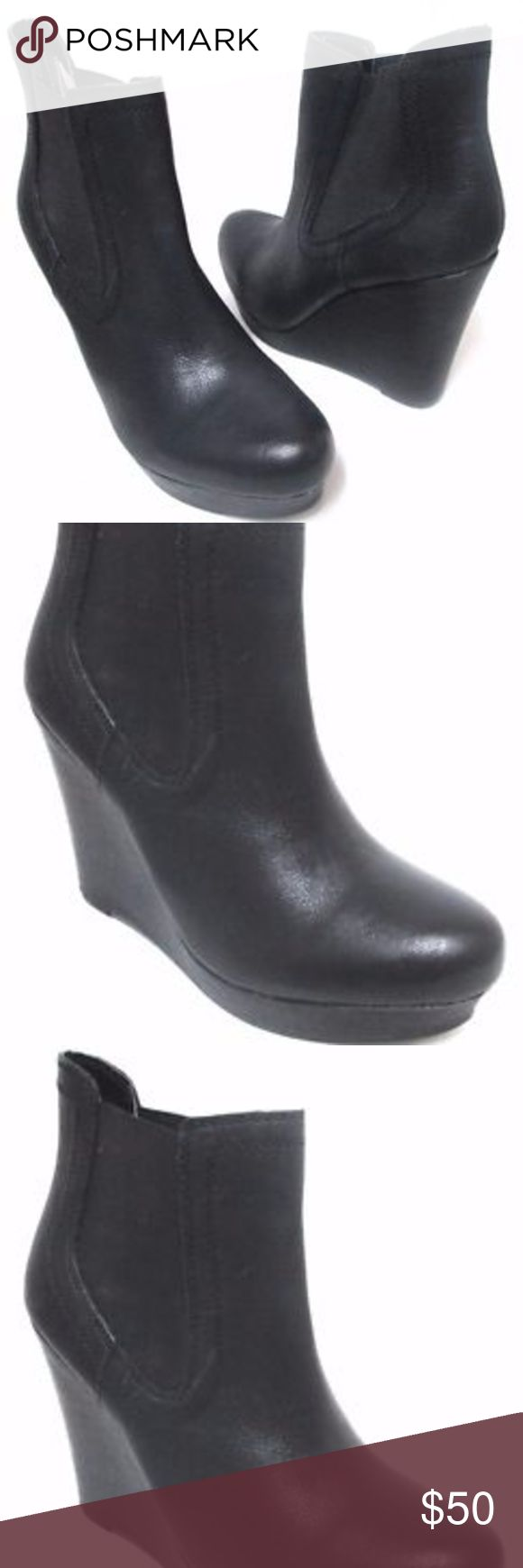"""Seychelles leather ankle pull-on boots NEW Sz 10 Seychelles boots new without box. Size 10, leather, heel is about 4.3"""", front platform is about 1"""", top to bottom is 9.1"""". Pet and smoke free home. Seychelles Shoes Ankle Boots & Booties"""