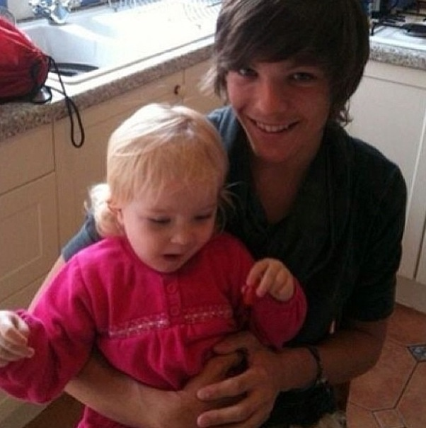 Awwww! Lou with Lottie (I think)