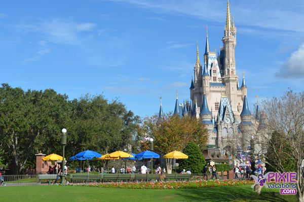 Travel to Disney World with these deals from #pixievacations and US Family Guide. #disneyworlddeals #sponsored