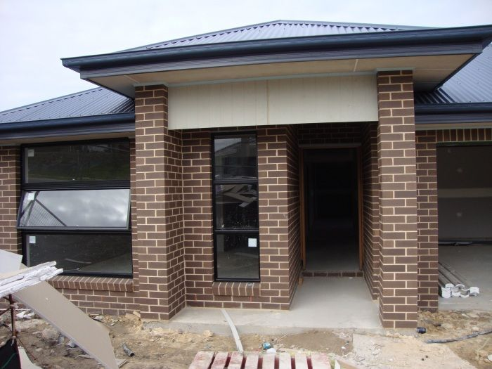 """EXTERNAL BRICK - Austral Urban One Range """"Pepper"""" with Off-White Ironed Mortar Upgrade"""