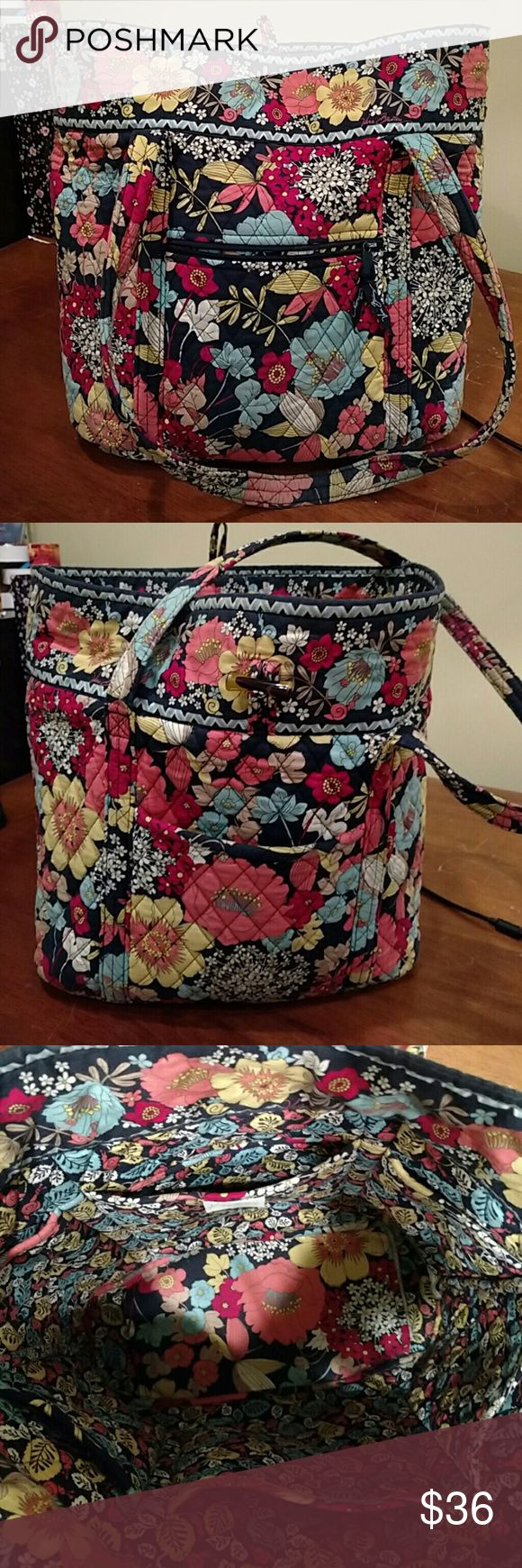 """Vera Bradley tote Vera Bradley tote bag, Happy Snails pattern, about 14"""" tall by 16""""wide, shoulder straps 16"""". Has 6 interior pockets for organization and flexibility and two exterior pockets. Vera Bradley Bags Totes"""