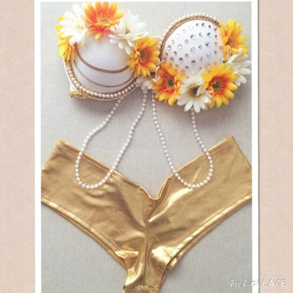 Tops - Daisy rave bra with gold shorts